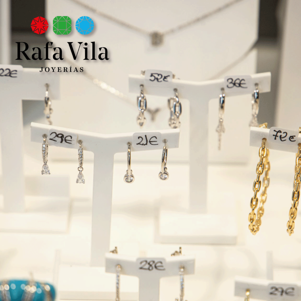 Joyas de oro y playa en joyería Rafa Vila